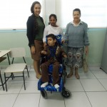Rafard:Prefeitura destina cadeira de rodas a criança com necessidades especiais