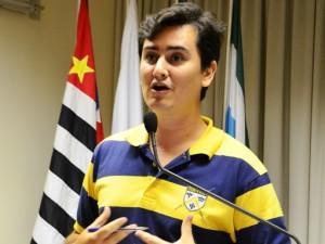 Capivari: Mateus Scarso cobra iluminação na Av. Dr. Ênio Pires de Camargo