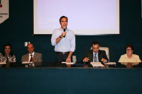 Prefeito Denis Andia participa de Workshop sobre Sustentabilidade Hídrica