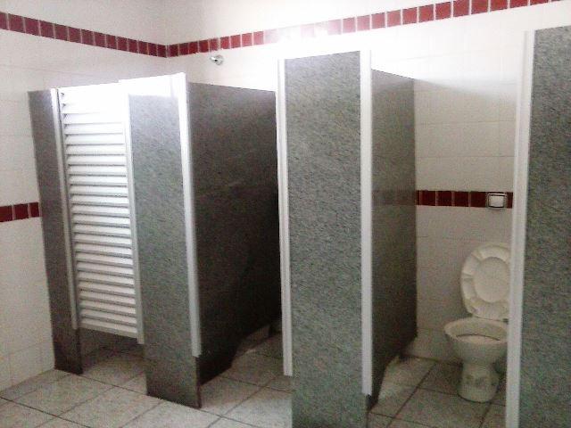 Capivari Após reclamação da falta de privacidade no banheiro masculino, usuá -> Foto Banheiro Feminino